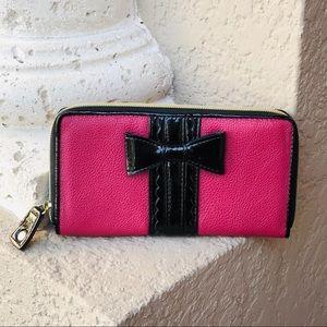 BETSEY JOHNSON Zippered Clutch Wristlet Wallet